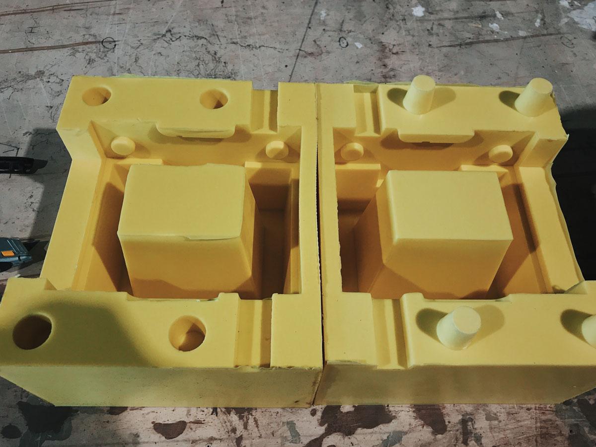 Custom mold for concrete breeze blocks
