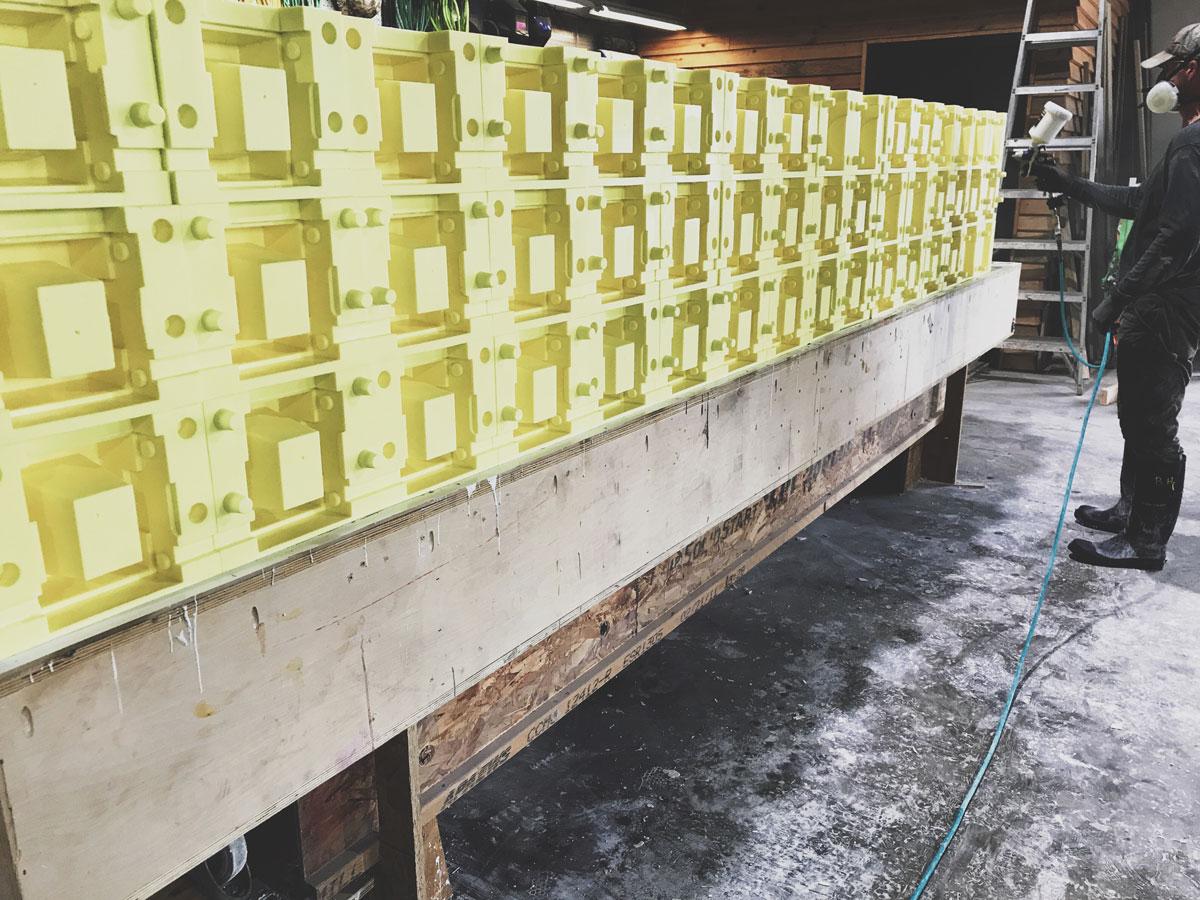 Molds for custom concrete breeze blocks